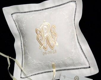 Wedding ring bearer pillow Monogram ring pillow Personalized Irish linen ring cushion jfyBride Style 5828