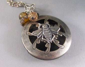 Scented Bee,Locket,Silver,Apothecary,Choose Your Scent,Queen Bee,Bee Ncklace,Bee,Bee Locket,Scent Locket,Antique Locket,valleygirldesigns.