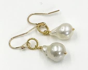 Baroque Pearl Earrings 14k Gold Fill Ivory Pearl Drop Earrings Simple Bridal Earrings Gold Vermeil Nucleated Ivory Pearl Doolittlejewelry