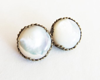 Luminous genuine mother of pearl earrings