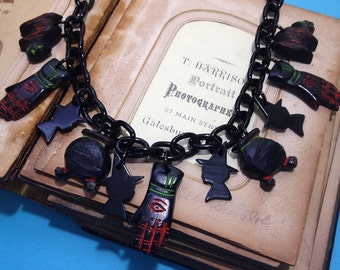 Witch Charm Necklace - Halloween Witch Cauldron Cat - Novelty Jewlery Costume - Resin Plastic Lucite Fakelite - Retro Primitive