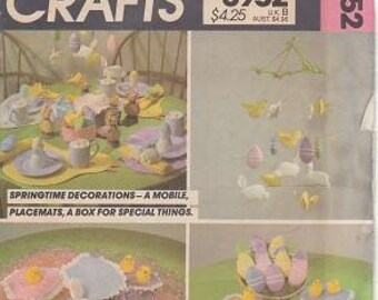 McCalls 8952 Springtime Decorations, Easter Package