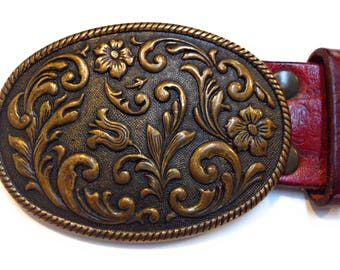 Vintage Womens Brass Floral Buckle w/ Medium size Leather Belt