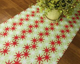 Red Green Christmas Table Runner Holiday Runner Green Red Snowflake Table Topper Gift Ideas Buffett Runner Linens Table Cloth Runner