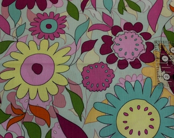 "Retro Flowers overlay print  23"" x 22"" 100% cotton fabric 42"" - 45"" wide Fabric Traditions"