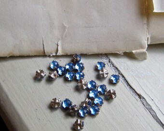 Blue Rose Montees, Vintage German 2-Hole Sew Ons, Blue 3.5mm Montees, Appliques
