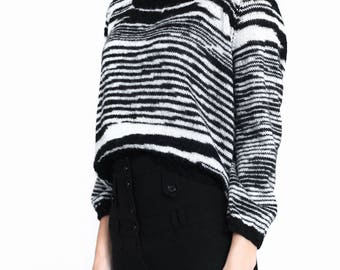 Short sweater Black and white bohemian sweater knitted bw sweater animalistic ethnic sweater pullover cropped sweater sweater top knit wool