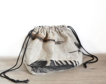 Natural linen pouch pattern feathers