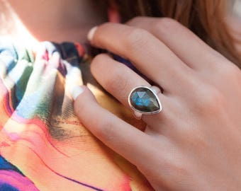 Rainbow Labradorite Ring ~ Statement ~ Big ~ Tear Drop ~ Gemstone ~ Natural ~ Sterling Silver 925 ~Handmade~Colorful~ Organic ~ Gift ~ MR027