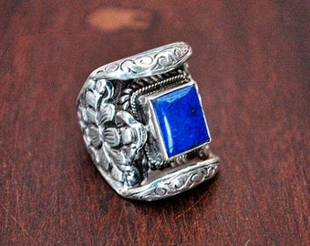 Lapis Lazuli Lotus Saddle Ring - Size 6.5 - Nepalese Ring - Nepalese Jewelry - Lapis Lazuli Ring - Ethnic Lapis Ring