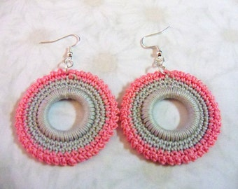 Ringed Earrings in gray and pink