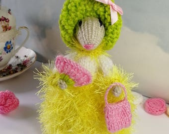 Hand Knitted Mouse, Mouse Gift for her, Home Decoration Stuffed, Art Figurine Rat, Stuffed Animal, Mother's Day