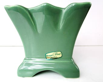 Haeger Floral Green Planter Flower Pot Made i Macomb, Ill. USA Gloss Finish Like New/ With Tags