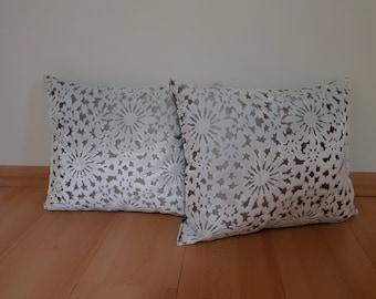 Snow star pattern velvet pillow