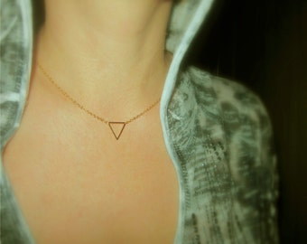 Delicate Triangle Necklace, Everyday Dainty Jewelry, Triangle Pendant Choker,  Minimal Jewelry, Geo Layering Necklace / N112x