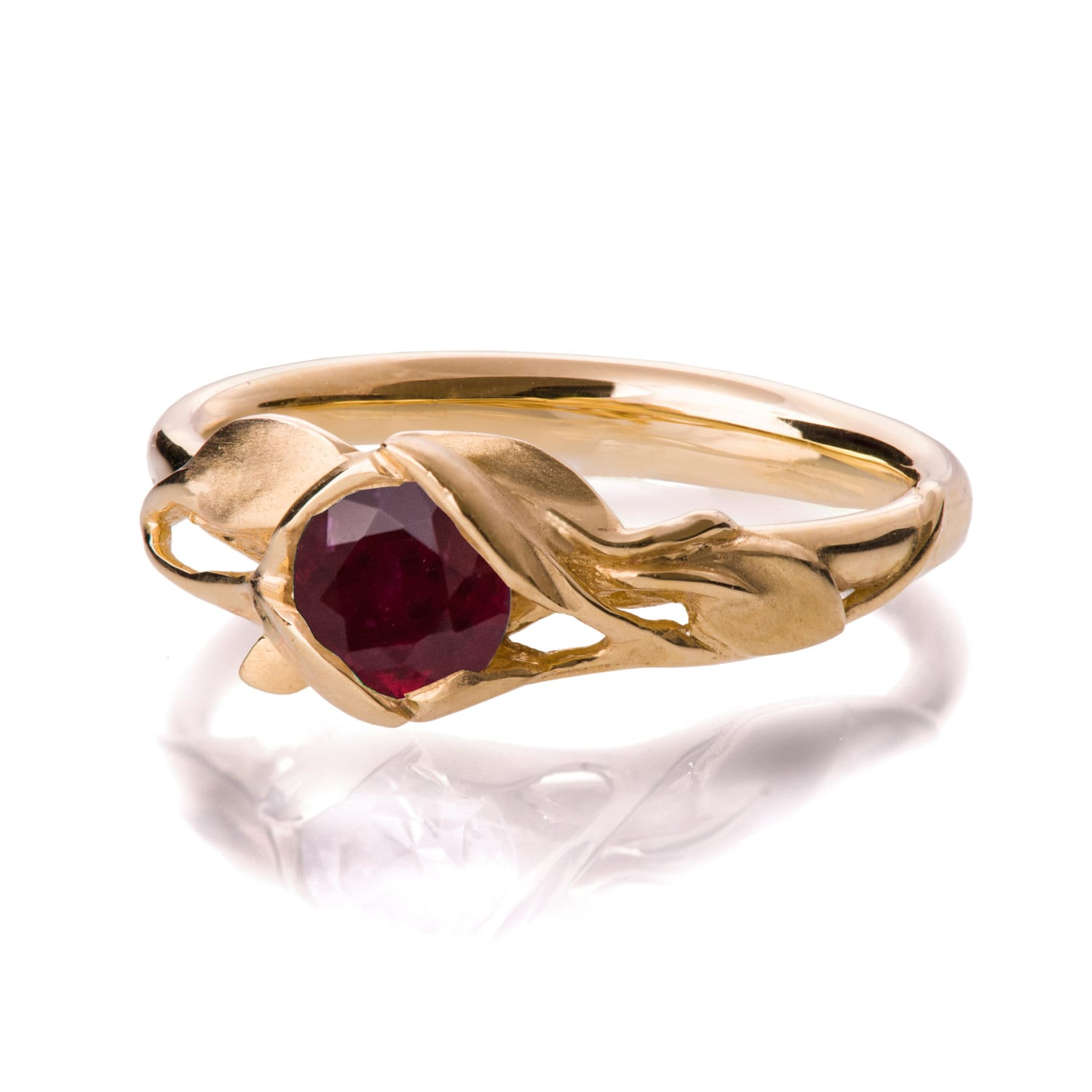 Leaves Engagement Ring 18K Yellow Gold and Ruby engagement