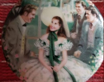 """Gone with the wind Music Box. """"Scarlett at twelve oaks"""" Music by Tara's Theme."""