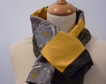 Neck-scarf in yellow and grey fabrics patchwork