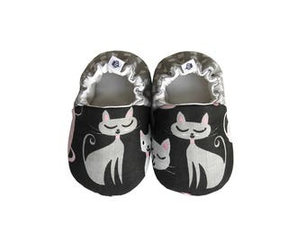Kitty Baby Booties, Baby Shoes, Cotton Baby, Infant, Newborn, Kitten Shoes, Gray Checked