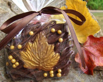 Fall Chocolate Graham Crackers GOLD Leaf ~ Thanksgiving Cookies ~ Rustic Wedding Favor Candy ~ Thanksgiving Favor ~ Hostess Gift