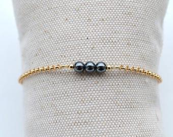 Gold plated bracelet, minimalist chain and hematite beads