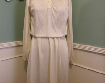 Vintage Cream Day Dress. 70's Secretary Dress.