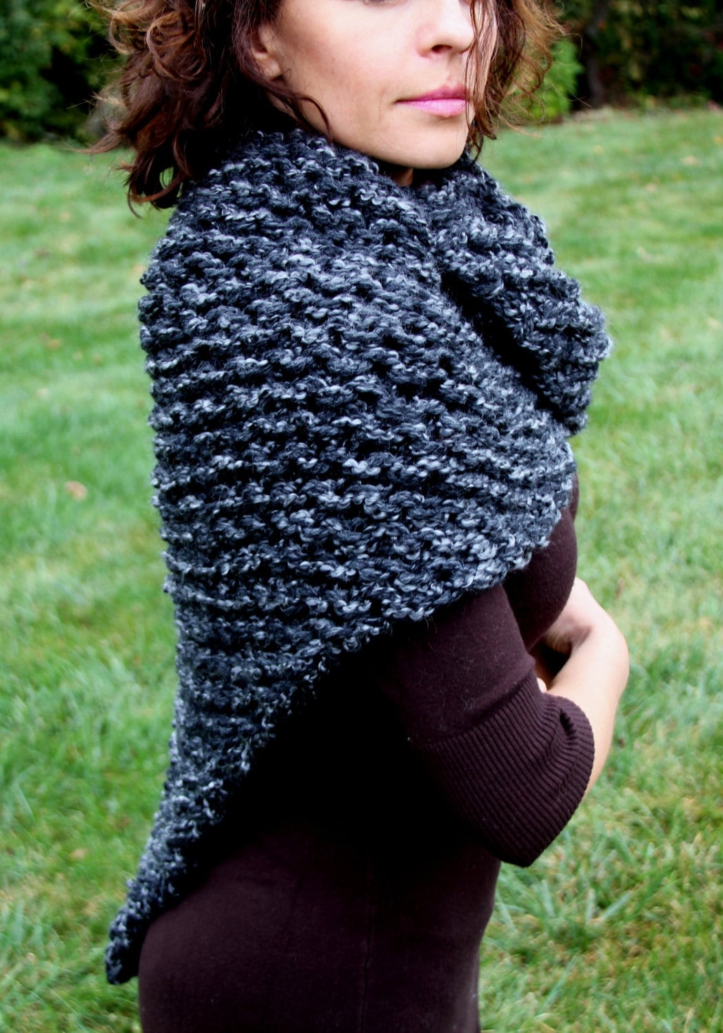 Sassenach shawl knitting pattern cowl shoulder wrap chunky zoom bankloansurffo Images