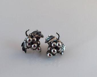 Sterling Silver Grape Cluster Earrings, Mexico, Vintage Jewelry, Screw-back Earrings