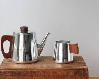 Sona Tea or Coffee set of two Pot Pitcher Carafe Stainless Steel Teak Milk Jug MCM Mid Century Retro made in England