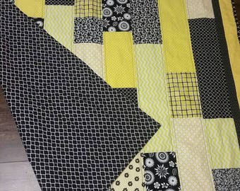 Black and yellow girl quilt,