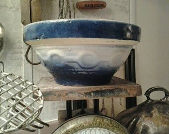 Antique Stoneware Bowl Blue and White Wedding Ring Pattern