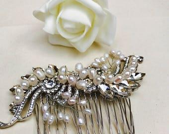 Pearl hair comb, vintage look hair comb, wedding hair accessories, wedding hair piece, crystal hair accessories, wedding comb