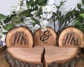 Mr and Mrs Sign|Wedding Sign|Wood Slice Sign| Rustic WeddingSign|Barn Wedding|Country Wedding|Wedding Table|Woodland Baby Shower|Engagement