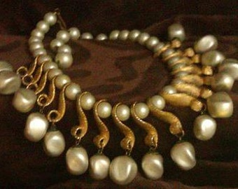 Beautiful Art Deco Faux Pearl Gilded Gold Necklace