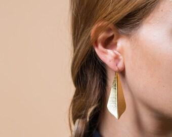 Gold leaf light earrings, dangling earrings, 24K gold plated earrings, statement earrings, long earrings, gift for her, boho style, nature
