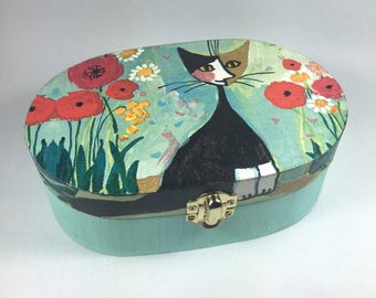 """BOX - Wooden box oval """"Cat sitting in the garden"""""""