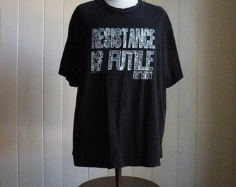 Vintage Star Trek First Contact T Shirt Resistance is Futile Men Sz XL