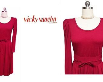 Vintage Vicky Vaughn Dress Scarlet Full Skirt Dress Cummerbund jersey dress 60s dress 70s dress red dress grand sweep dress vintage dress
