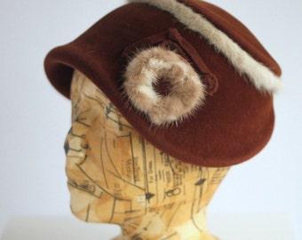 Brown wool felt ladies fashion hat with cream and light rabbit fur pom-pom Madmoiselle Chi-Chi