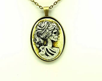 Antiqued Pearl Lolita Skeleton Cameo Necklace