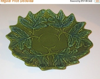 SPRING SALE - Vintage California Pottery Ceramic Green Leaf Bowl 1950s, Great for Autumn or Holiday Decor