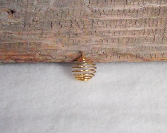 Small Gold Plated Wire Spiral Cages To Make Your Own Stone or Bead Necklace Pendant 18mm x 15mm