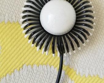 Vintage Mod Flower Power White and Black Spider Mum Enamel Brooch Pin  - RARE