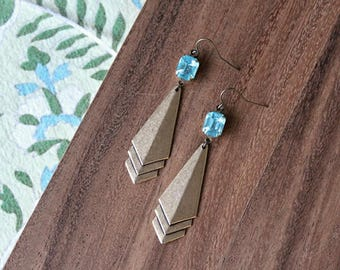 vintage glass gem + vintage brass art deco earrings - aqua