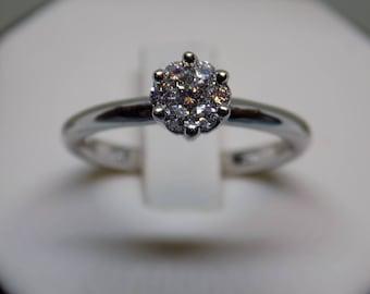 14kt White Gold Diamond Flower Ring