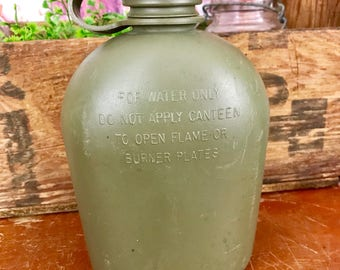Vintage US Army Green Military Water Canteen