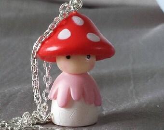 Mushroom pendant + chain