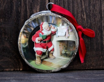 Christmas Ornament : Santa By the Fireplace