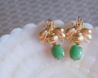 jadeite honey bee dangle earrings- matte gold plated - green vintage stones