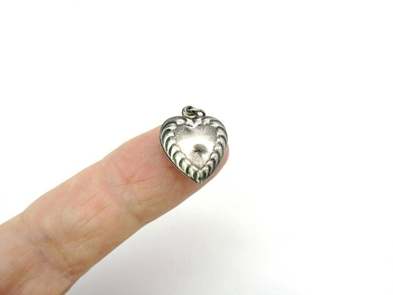 Vintage Sterling Silver Puffy Heart Charm. Embossed Pendant. Love Token. Sculpted Fluted 1940s Retro Jewelry